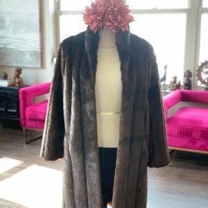 Jackets & Blazers - Gorgeous Faux Fur Coat 😭✨
